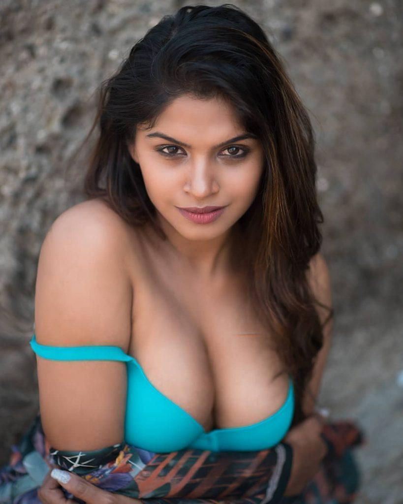 Elite Call Girl in Dwarka